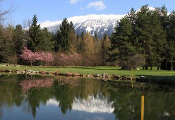 Lake's golf course Bled